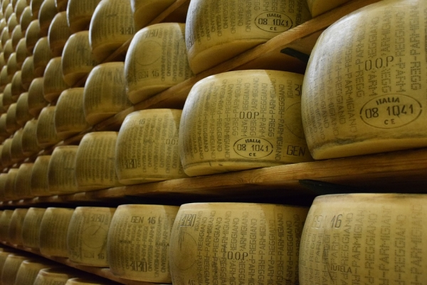 MY PRIVATE ITALY: PARMIGIANO REGGIANO (PLEASE DON'T CALL ME PARMESAN)
